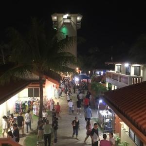 初めてでも大丈夫! グアム旅行でナイトマーケットの行き方&楽しみ方