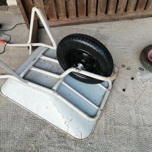 一輪車のタイヤ交換
