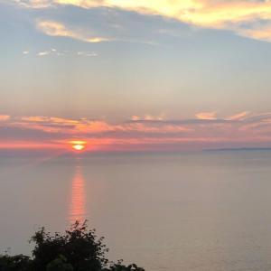黄昏時が好き#和島オートキャンプ場で日本海の夕日を目に焼き付ける