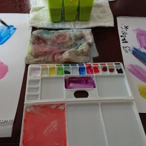 絵の具遊び。この色と色を合わせると、何色?