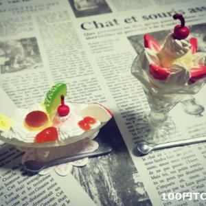 【ミニチュアTODAY・その1】プリンアラモード&チョコレートパフェの食玩。