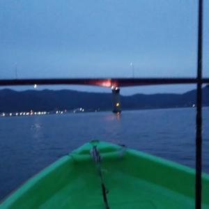 今日はボートで鯛ねらい釣り