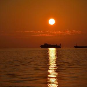 趣味の写真館 「三島川之江港の夕景」