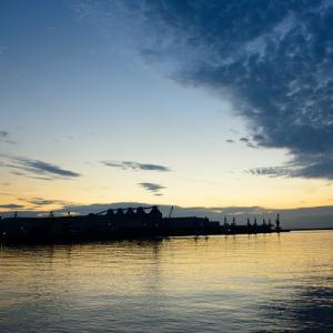 三島川之江港の夕景