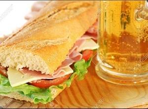 メグレ警視の食卓「出前のサンドウィッチとビールの遅い夕食」