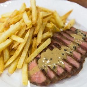 メグレ警視の食卓「ステーキとフライドポテト」(ステーク・フリット)