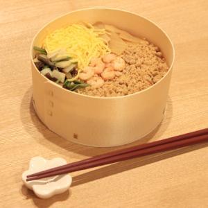 わっぱや小田原ラスカ店の五目わっぱがおいしい!定番弁当を木の香りと一緒に味わう