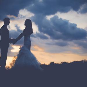 結婚する事で自由は失われる?自由は増える?その答えは