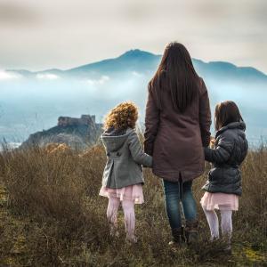 是非みんなに知ってほしいです!乳がんのシングルマザーと娘たちが一緒に戦うと決めた話!