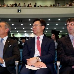 韓国の名前を使い、テロを受けても毅然としていた前任者とはあまりにも違うハリー・ハリス駐韓米国大使=韓国の反応