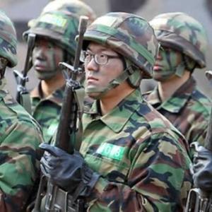 韓国人「米軍が撮影した韓国軍の食事がやばすぎる件」
