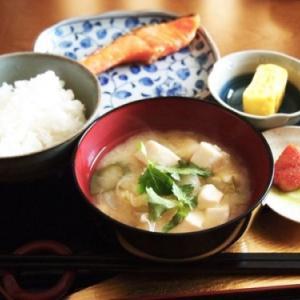 在日中国人「日本の食べ物はひどい、日本の社会は地獄のように鬱陶しい」←こいつらは何で日本に留まるの? 中国の反応