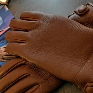 フィンランドの手袋ブランドSAUSOで自分デザインのカスタム手袋を作ってもらった!
