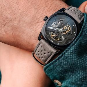 スイスの新星CODE41が送る、性別問わず楽しめる洗練されたメカニカル腕時計「DAY41」