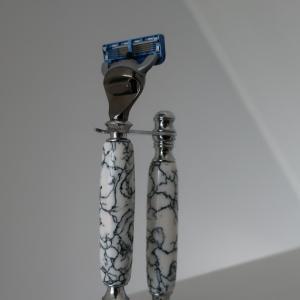 大量生産品に個性を!ジレット髭剃り用の大理石製手作り持ち手をEtsyで購入してみた