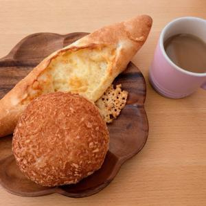 パン屋さんのパンで、お一人おうちランチ