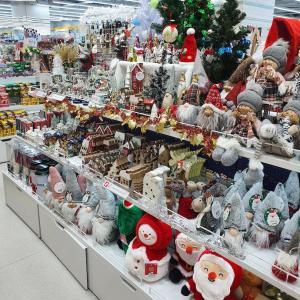 韓国ダイソー「まるでトイザらス」充実しすぎなクリスマスグッズ!