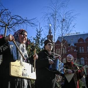 寒さ厳しいロシアが「春を迎えるお祭り」
