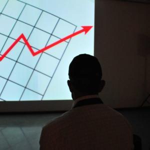 ROA(総資産利益率)を使った株式投資・株評価