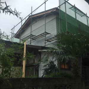 外壁の塗装工事、とりあえず2階だけ
