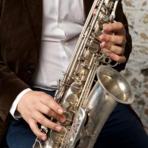 サックス 吹奏楽での役割はハスキーボイスで音を混ぜること