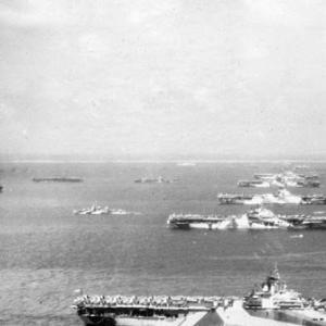 米海軍第38任務部隊の台風による遭難その1(1)