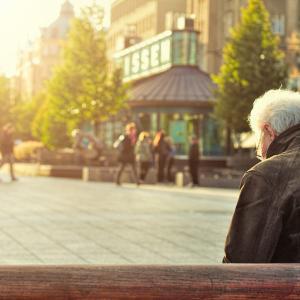 少子高齢化社会を脱却する方法を考える