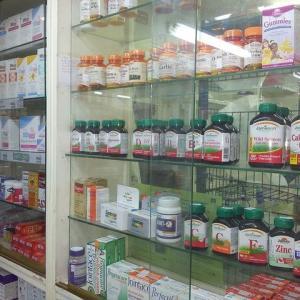 英語ダイアローグⅡ~【街の中】薬局で薬を探す
