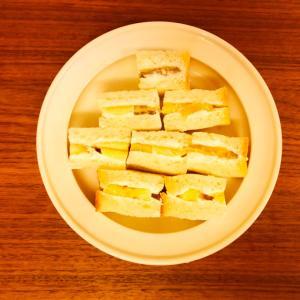 【たべること】バナナとヨーグルトのサンドイッチ