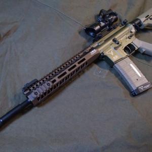 Double Bell AR-15 TTI TR-1 電動ガン につき。マガジンのお話