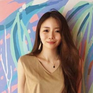 【ネイリストみか(橋本実花)】ネイリスト×画家YouTuberのプロフィール解説!