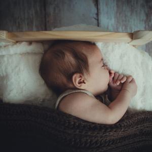 2歳児のお昼寝どうしてる?添い寝しないとお昼寝してくれない息子。