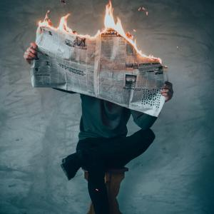 【X100V発表】富士フィルムプロモーション動画炎上[写真家:鈴木達朗氏のストリートスナップに対する考え方とは?]
