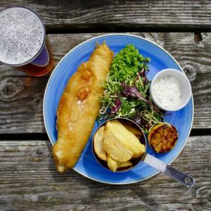 イギリス政府の飲食店援助政策'eat out to help out scheme'とは 期間限定で外食50%オフ