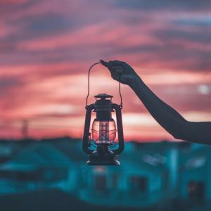夜釣り・キャンプにおすすめのお洒落な充電式LEDランタンまとめ