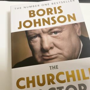 ボリス・ジョンソン首相はコロナ禍でウィンストン・チャーチルになれるのか