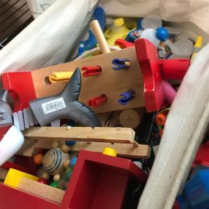 おもちゃ多すぎ!置き場に困るので整理