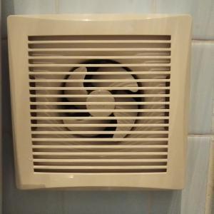 住んで約6年。小さな換気扇の掃除法を発見!