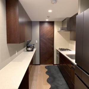 我が家のキッチン。独立型キッチンをスッキリ見せるコツは?