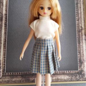 リカちゃんのプリーツスカート