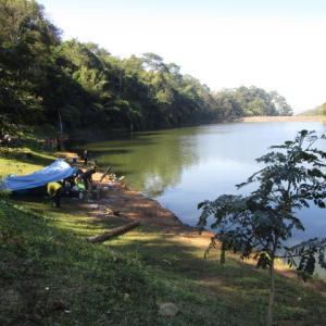 タイ人もキャンピング&夜釣り