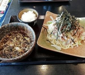 五味八珍の牛肉つけ麺