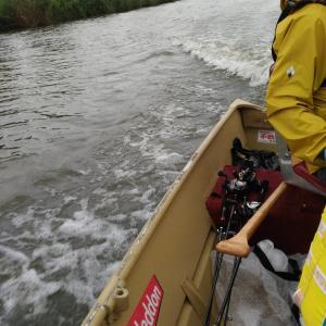 小野川ボート釣行 雨の釣りって楽しい