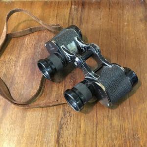 古い双眼鏡