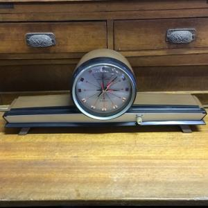 昭和レトロな置き時計 ゼンマイ式 オルゴール付き