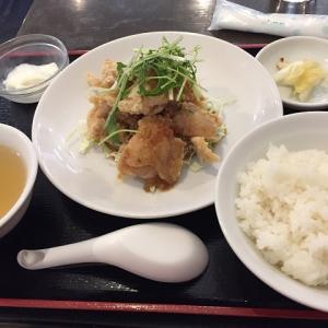 射水市、太閤山ショッピングセンターパスコにあるラーメン店、豚鶏歓へ初めて訪問 外はサクッと中はジューシーな鶏の唐揚げ定食を頂く