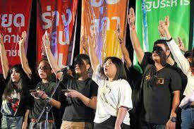 揺れ動くタイの王制と軍政 / タイと日本、130年以上の交流の歴史を振り返りつつ、現在を見る
