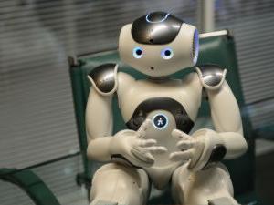 現行の道徳教育は、人間をロボットのような存在と考えている / 「偉人伝」に勝る教材はない