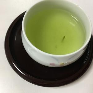 茶柱が立つ日