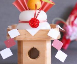 一人暮らしの部屋も手軽にお正月感アップ!鏡餅の基本知識などを紹介